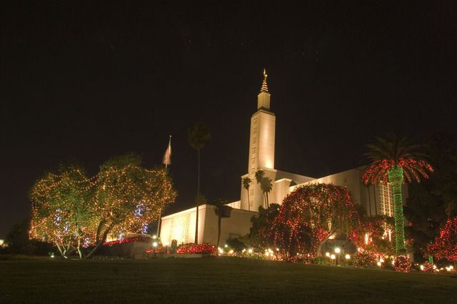 Christmas lights, temples, family, traditions, Christmas, light displays, LDS, mormon