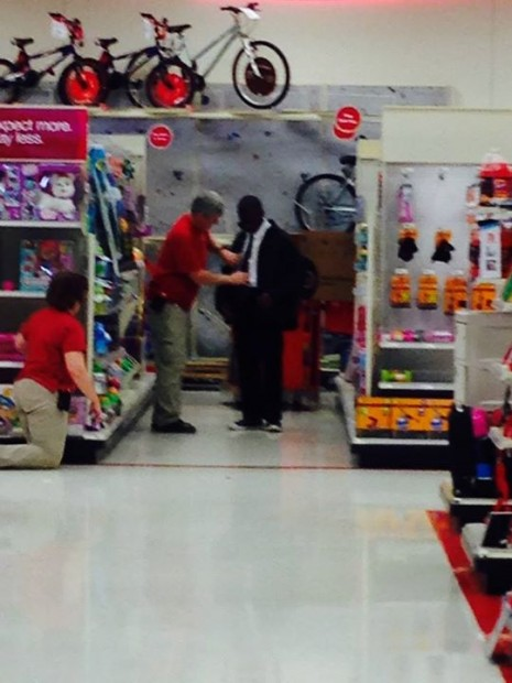 This Target Worker Deserves a Medal.  #FaithInHumanity