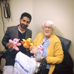 Photo of Mormon Grandmother Presenting Gifts to Muslim Doctor Goes Viral