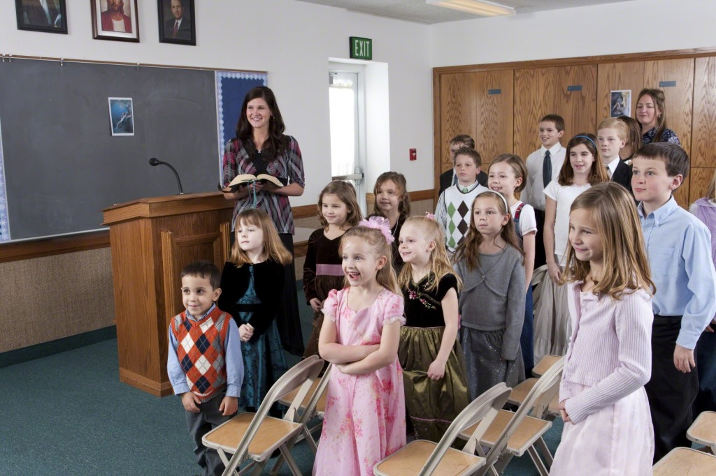 Primary children singing.