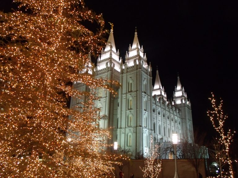What to Expect When You Come See the Lights on Temple Square