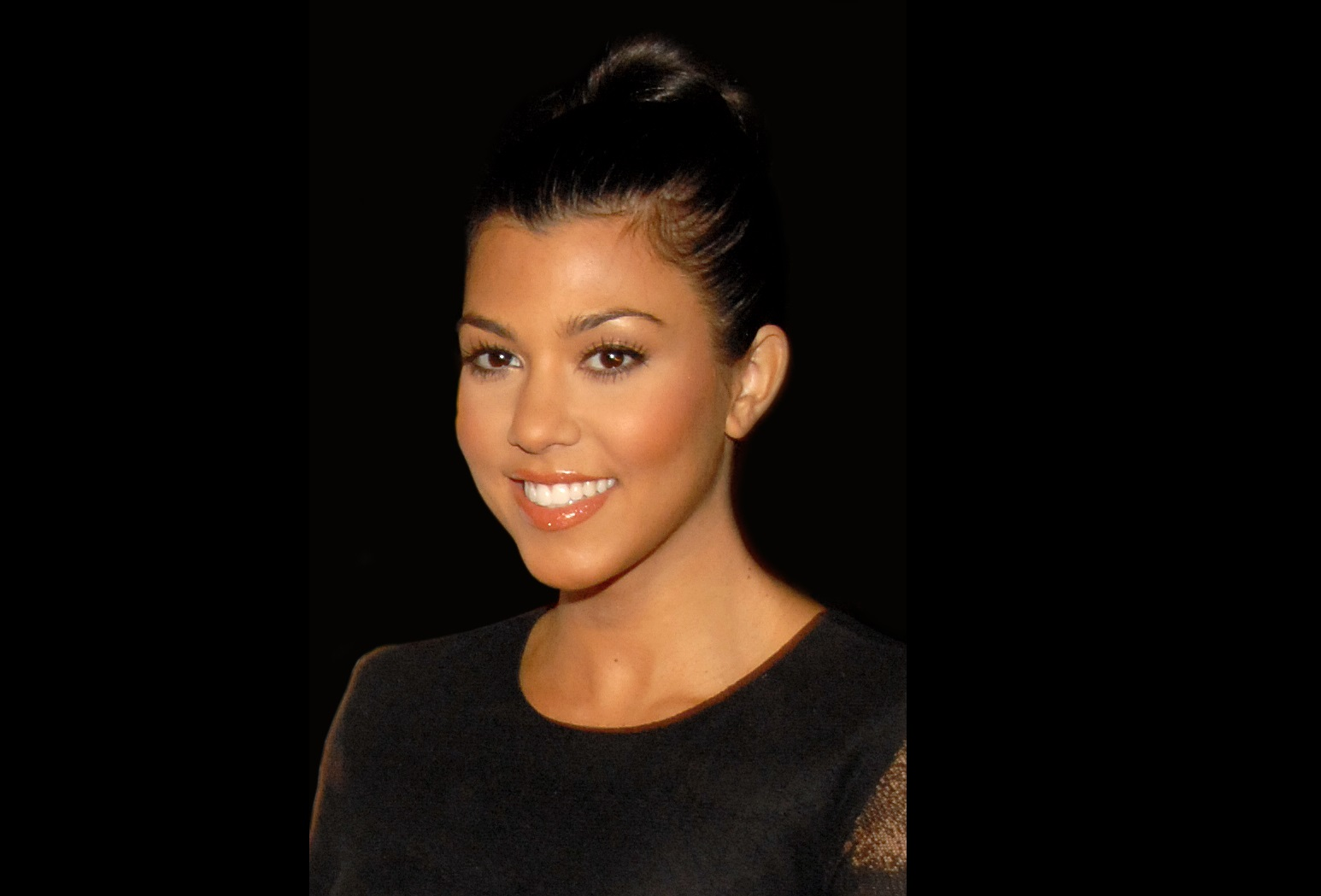 Kourtney Kardashian Shares Photo of LDS Temple and the Mormon Blogosphere Exploded.
